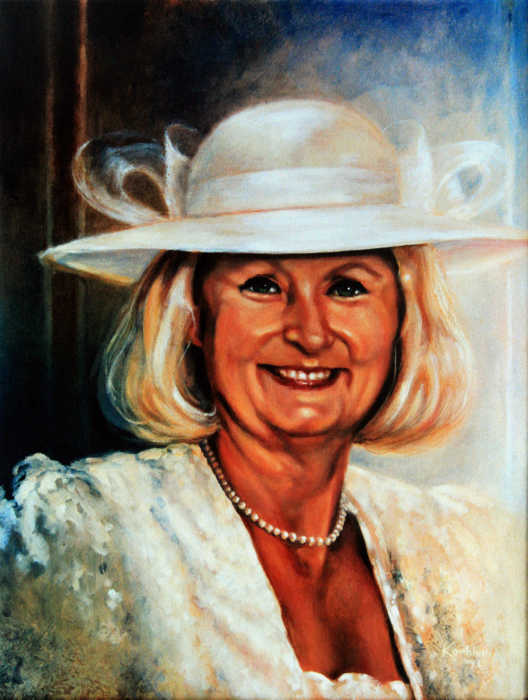 commission a hand-painted family or wedding portrait direct from artist